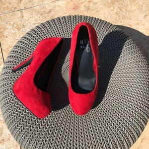 Classic Red Platforms